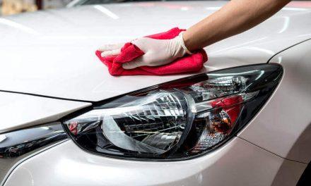 Maneras de ahorrar agua cuando limpias el coche