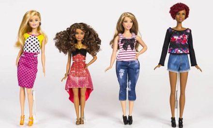 Cosas que hacías con tus muñecas Barbie de pequeña y ahora las reconoces