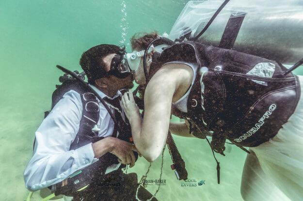 La primera boda subacuática fue en la India