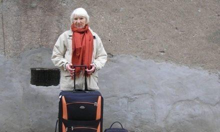 Mira cómo esta mujer vive desde hace 21 años sin dinero