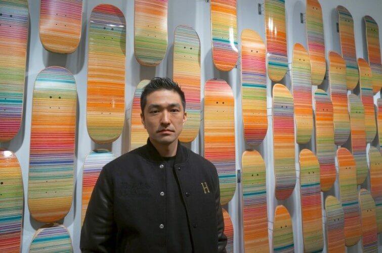 El artista del caos, Haroshi juega con piezas de skate para crear mosaícos