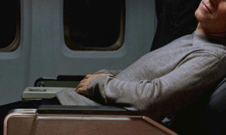 Tips para conseguir dormir en un avión