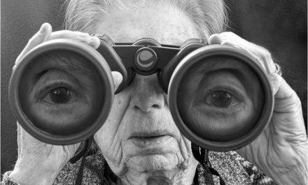 La musa de este fotógrafo es su madre de 91 años y con demencia senil