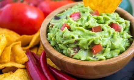 Varias recetas de guacamole para chuparte los dedos