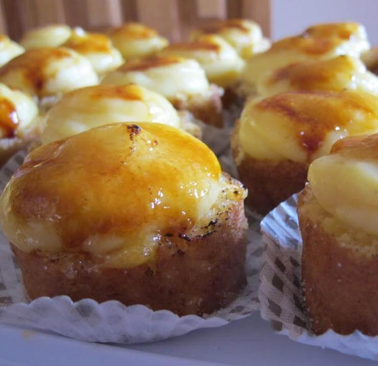 Descubre los deliciosos piononos de Granada