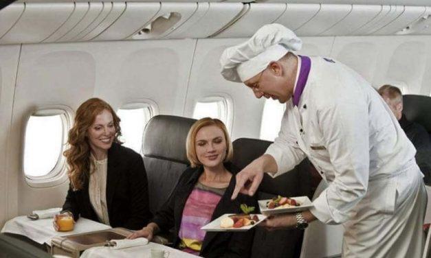 Aprende a comer sano cuando viajas solo o acompañado