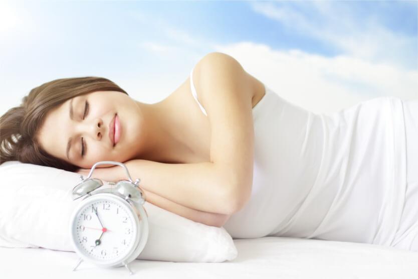 Las mujeres necesitan dormir más que los hombres