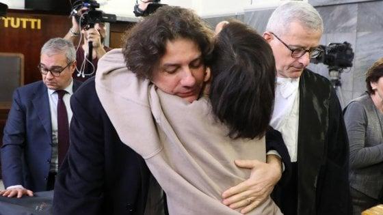 """Dj Fabo, assolto Marco Cappato dopo la Consulta: """"Il fatto non sussiste, non fu aiuto al suicidio"""""""