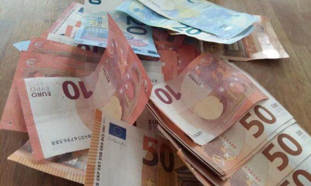 Allemagne : un passant rend un sac à dos contenant 16 000 euros