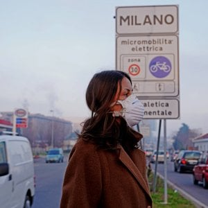 Le polveri sottili assediano il Nord, stop alle auto in Piemonte, Lombardia e Veneto