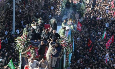 Massenpanik bei Trauermarsch in Iran – Dutzende Tote