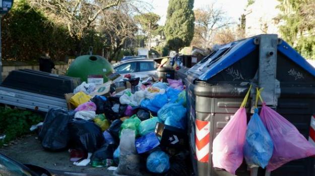 Roma ostaggio degli spazzini